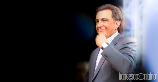 Franco Nisi in piazza del Duomo a Milano il 14 maggio 2012 in occasione del concerto per i 30 anni di Radio Italia.